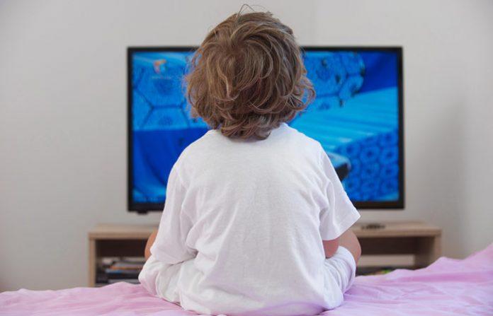 ลูกดูทีวี ส่งผลต่อพัฒนาการเด็ก