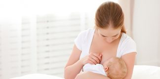 ทำไมต้องให้ทารกกินนมแม่อย่างน้อย 6 เดือน