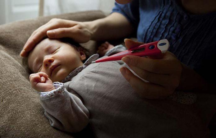 ลูกมีไข้สูงดูแลอย่างไร