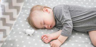 ให้ลูกนอนตะแคงหัวสวย ไม่เสี่ยงกับโรค SIDS