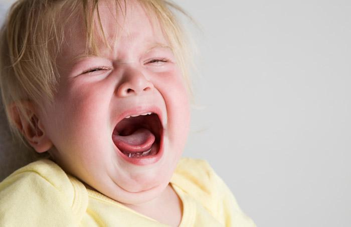 5 สาเหตุที่ทำให้ลูกของคุณเป็นเด็กขี้กลัว