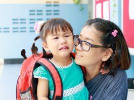 6 วิธีแก้ปัญหาลูกไม่ยอมไปโรงเรียน