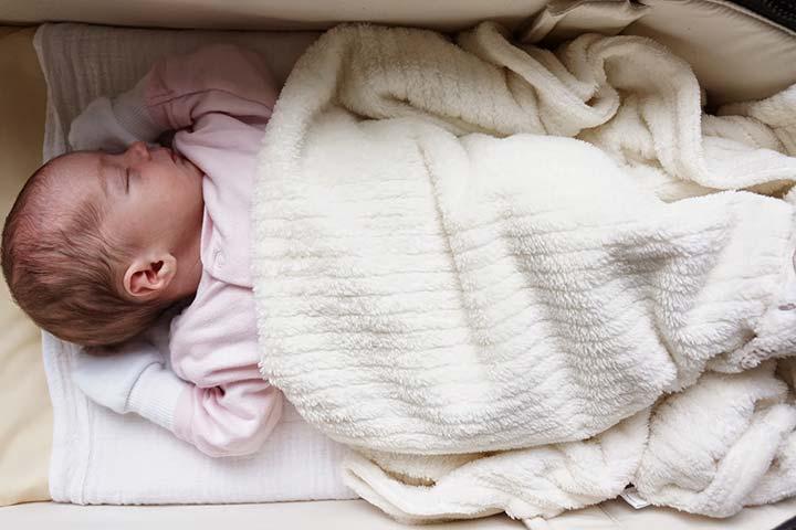 ท่านอนที่เหมาะสมกับลูกวัยแรกเกิด