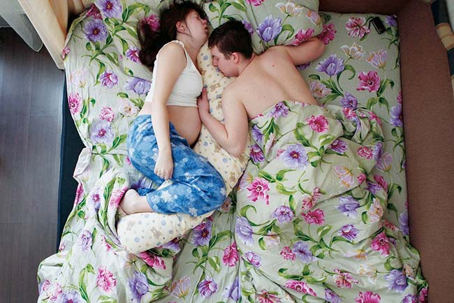 ท่านอนสามี-ภรรยาตั้งครรภ์11