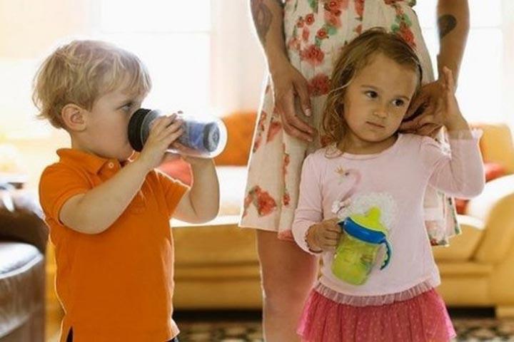 สอนลูกอย่างไรให้มีทักษะการเข้าสังคมกับเพื่อน
