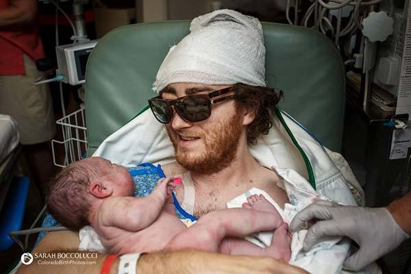 20 bức ảnh sinh nở này sẽ làm rung động trái tim của những mẹ từng đớn đau vượt cạn